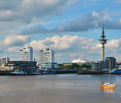 Fotografie Bremerhaven Skyline mit Geestemole © 2017 Adrian J.-G. Wackernah - 000547