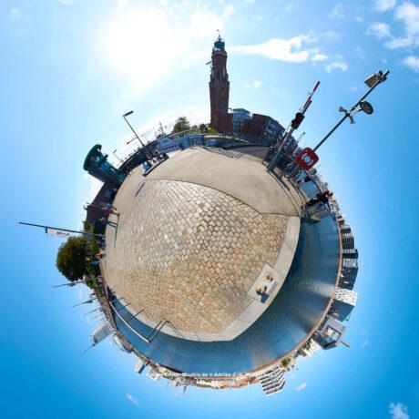Bremerhaven Schleuse Neuer Hafen © 2015 Adrian J.-G. Wackernah - 000458
