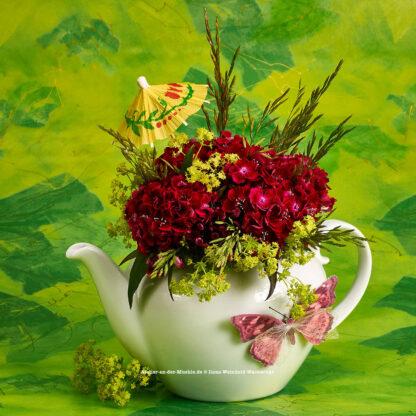 Teeblumen Kanne mit Nelken © 2017 Ilona Weinhold-Wackernah - 000769