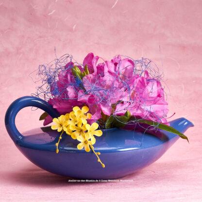 Teeblumen Kanne mit Rhododendron © 2017 Ilona Weinhold-Wackernah - 000775