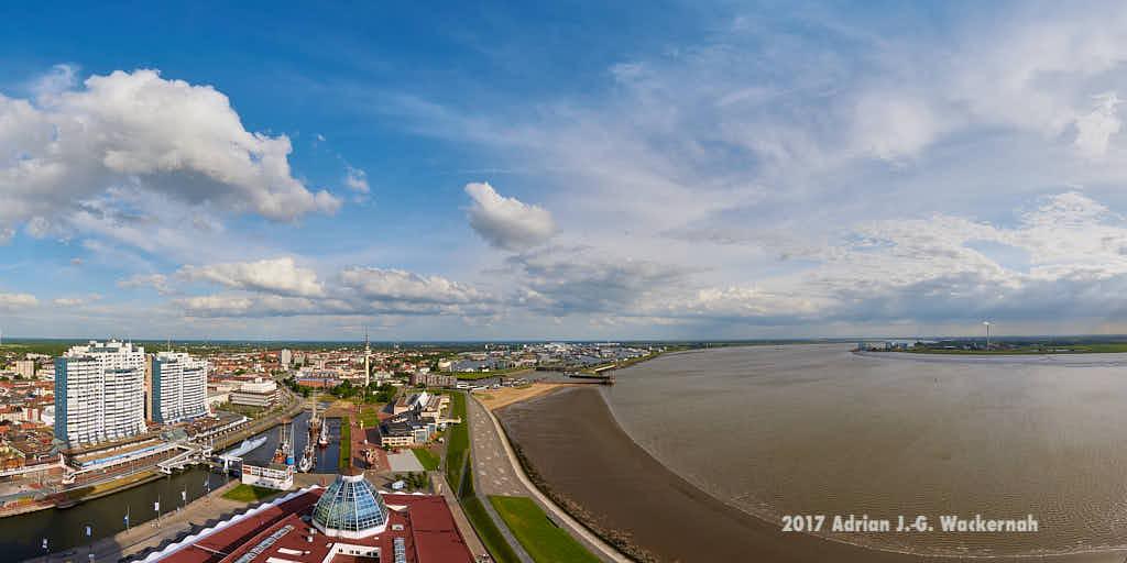Produktbild Bremerhaven Blick nach Süden © 2017 Adrian J.-G. Wackernah - 000400