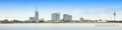 Skyline ab Blexen © Adrian Wackernah (VG Bild-Kunst Nr.: 2219193) - https://atelier-an-der-muehle.de