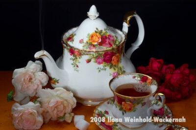 Fotografie Tee-Genuss Kanne Rosen © 2008 Ilona Weinhold-Wackernah