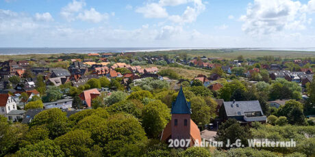 Fotografie Wangerooge Blick auf Kirche © 2007 Adrian J.-G. Wackernah
