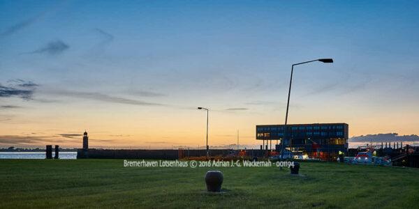 Fotografie Bremerhaven Lotsenhaus © 2016 Adrian J.-G. Wackernah - 001194