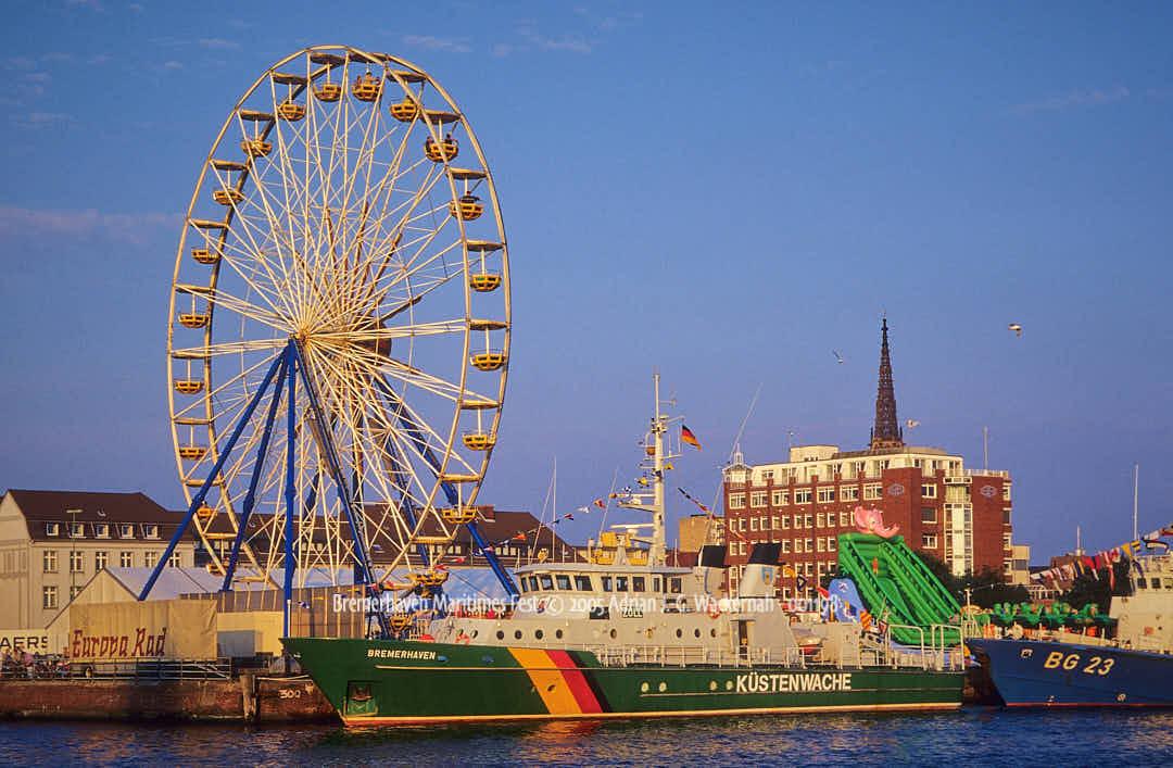 Fotografie Bremerhaven Maritimes Fest © 2005 Adrian J.-G. Wackernah - 001198