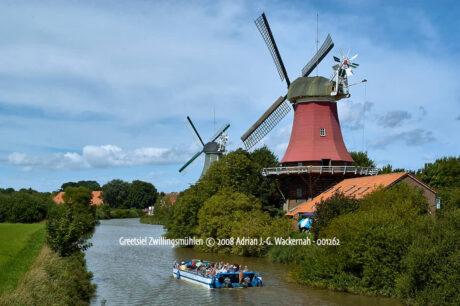 Produktbild Fotografie Greetsiel Zwillingsmühlen © 2008 Adrian J.-G. Wackernah - 001262